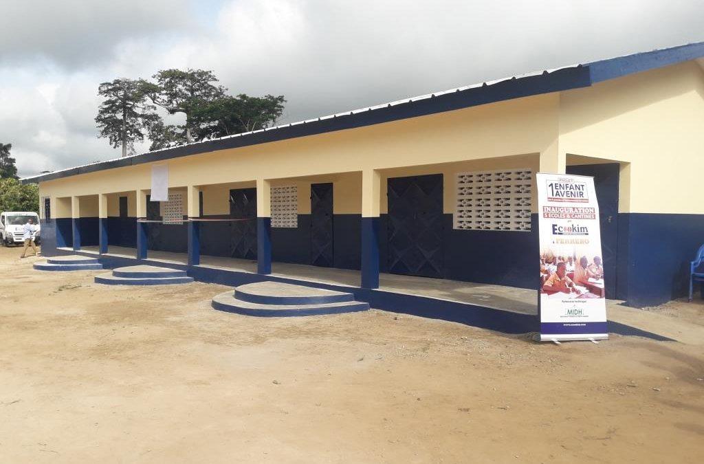 Cérémonie de remise de clés de 5 écoles construites avec la prime FAITRADE du partenariat FERRERO – ECOOKIM